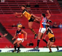 AFL 2000 Ansett Cup Match - Hawthorn v West Coast