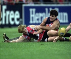 AFL 2001 Ansett Cup Match - St Kilda v West Coast