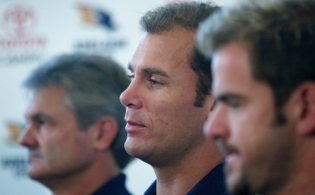 AFL 2004 Media - Wayne Carey Announces Retirement 240604