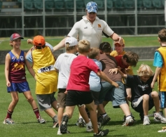 AFL 2006 Media - 2006 Hawthorn AFL Community Camp
