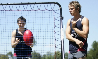 AFL Media - Melbourne Training 121207