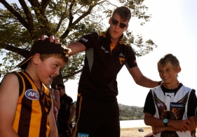 AFL 2014 Media - Hawthorn Community Camp Day 2