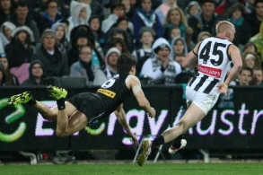 AFL 2015 Rd 15 - Port Adelaide v Collingwood