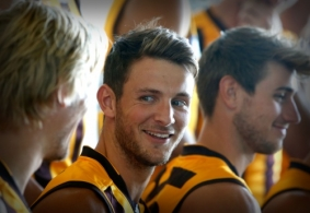 AFL 2016 Media - Hawthorn Team Photo Day