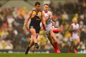 AFL 2016 Rd 18 - West Coast v Melbourne
