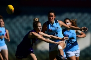 AFLW 2017 Rd 06 - Fremantle v Carlton
