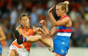 AFLW 2017 Rd 07 - GWS Giants v Western Bulldogs