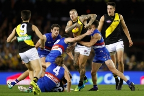 AFL 2017 Round 07 - Western Bulldogs v Richmond
