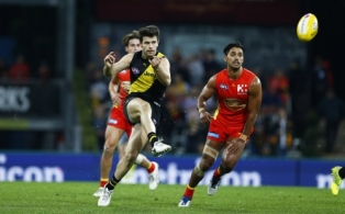 AFL 2017 Round 19 - Gold Coast v Richmond
