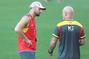 AFL 2017 Training - Gold Coast 150817