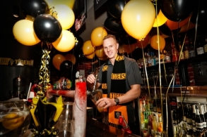 AFL 2017 Media - Melbourne Turns Yellow and Black