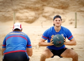 AFL 2017 Training - Western Bulldogs Torquay Beach Session 181217