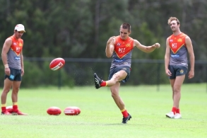 AFL 2018 Training - Gold Coast Suns 080318