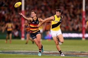 AFL 2018 Round 02 - Adelaide v Richmond