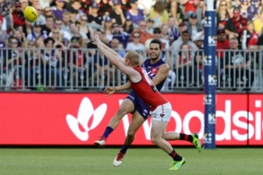 AFL 2018 Round 02 - Fremantle v Essendon