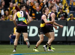 AFL 2018 Round 19 - Richmond v Collingwood
