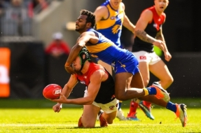 AFL 2018 Round 22 - West Coast v Melbourne