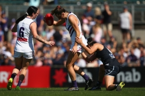 AFLW 2019 First Preliminary Final - Carlton v Fremantle