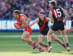 AFL 2019 Round 16 - Essendon v Sydney