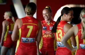 AFLW 2021 Media - Gold Coast Team Photo Day