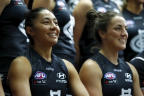 AFLW 2021 Media - Carlton Team Photo Day
