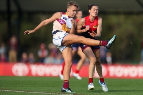 Photographers Choice - AFLW 2021 Round 09