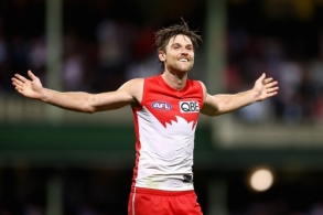 AFL 2021 Round 04 - Sydney v Essendon